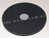 Grinding plate with flexible base